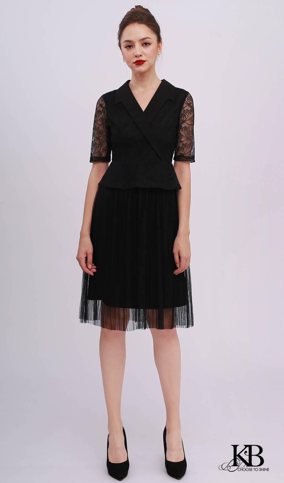 Đầm ren cổ vest