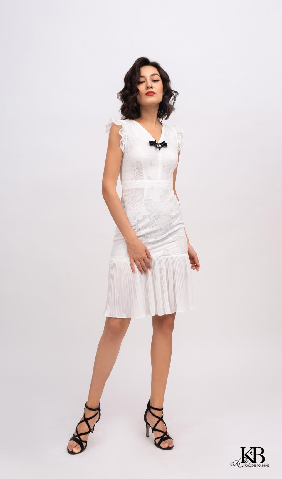 Đầm cổ v đai eo chân ly